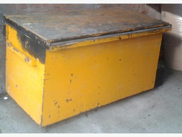 van tool vault box
