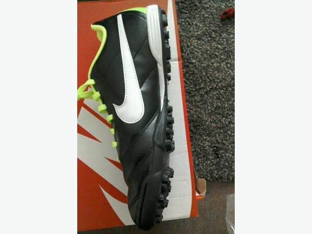 Brand new Nike junior tiempo Rio tf youth size 5.5