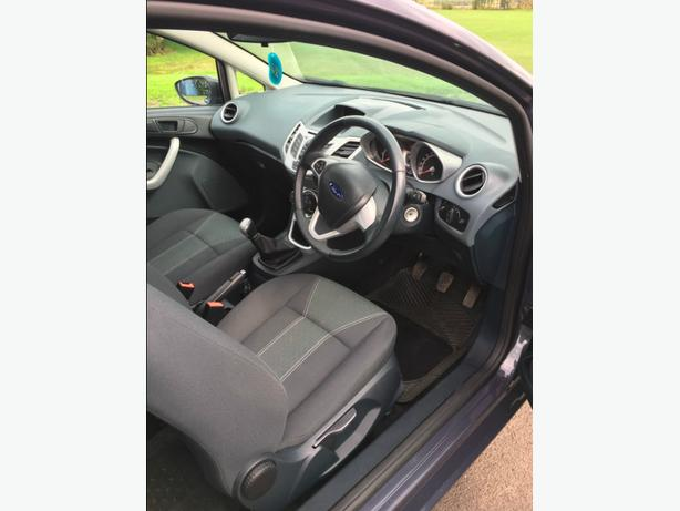 Ford Fiesta Zetec 2011 5372 miles   £1,800 cash on collection