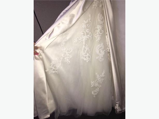 designer wedding dress *new*