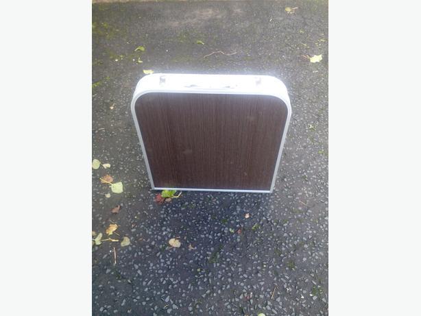 Foldidig camping/caravan table