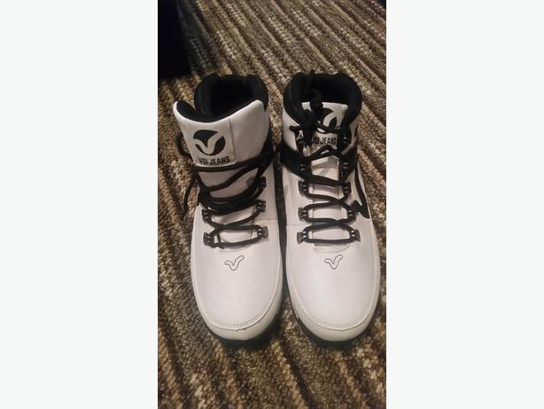 Voi Boots Size 5