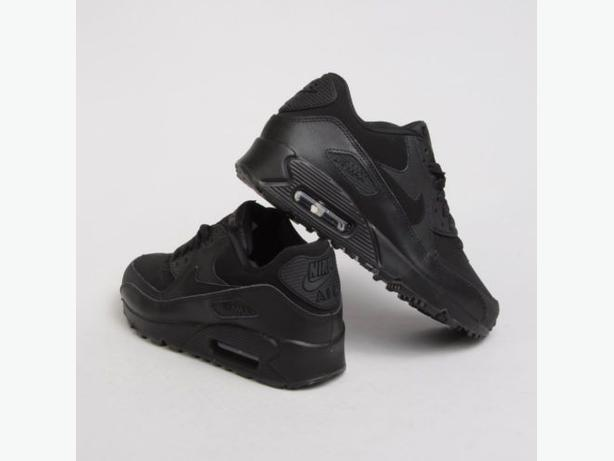 Womens Nike Airmax 90,s - All black - NEW BOXED