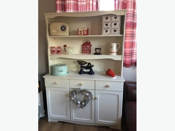 welsh dresser shabby chic / country style