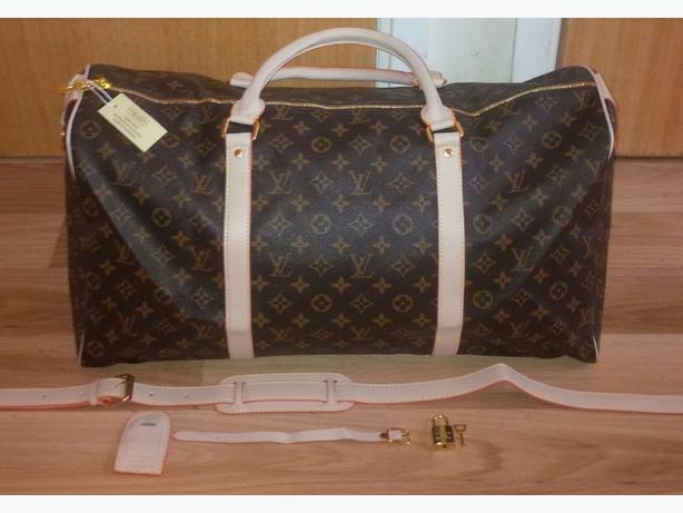 Sexy Louis Vuitton Travel Bag BRAND NEW Not gucci Or prada Michael Kors Or Nike