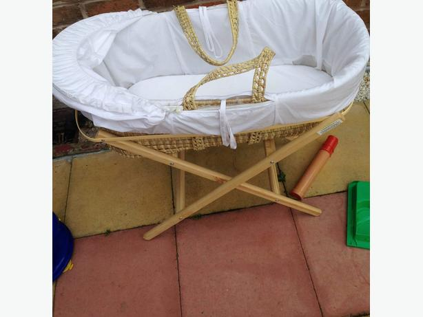 Baby Mose Basket With Stand Walsall Wolverhampton