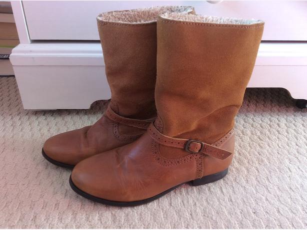 Zara Boots size 33 (1)