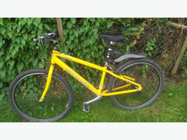 Cannondale 400 comfort dirt/jump bike £100