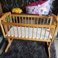 Wooden Swinging Crib with Bumper and Quilt set