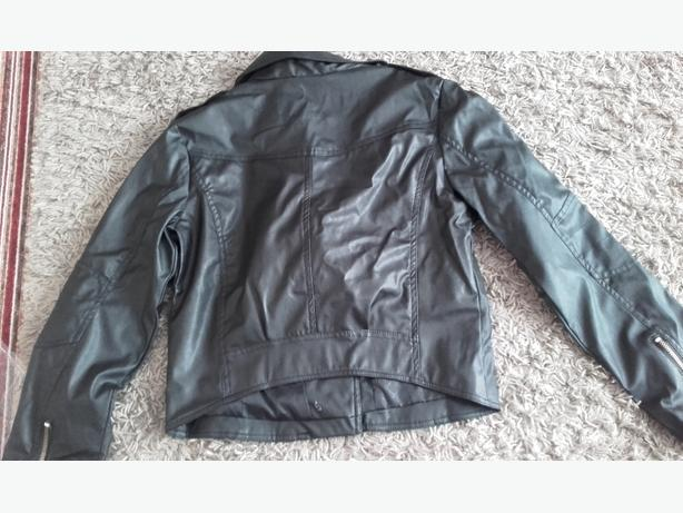 bkack leather jacket