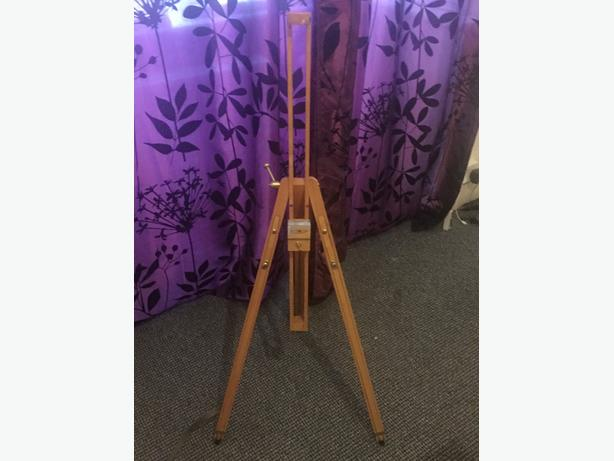 adjustable canvas stand