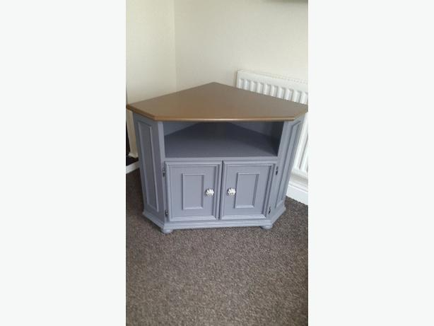 shabby tv stand unit