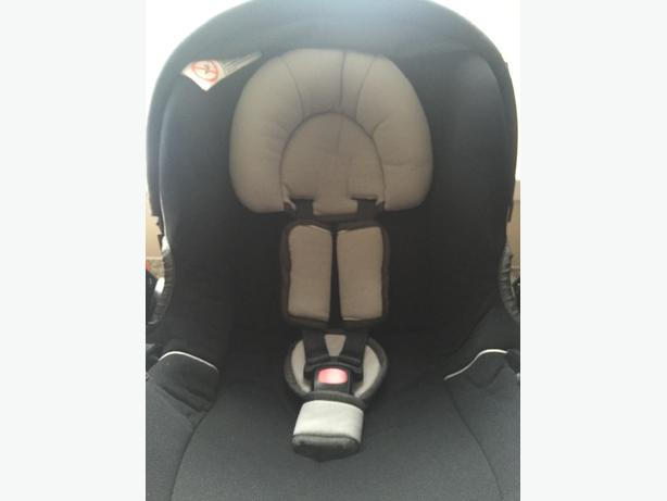 mamas and papas newborn carseat