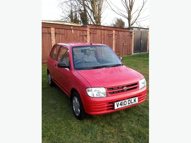 Daihatsu cuore 1.0 automatic genuine low mileage 16,000 only. S/H, New Mot,