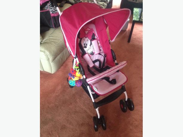 minnie mouse hauk pushchair