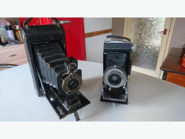 2 VINTAGE C1920S COLLECTABLE KODAK FOLDING CAMERAS WEDDING PROP DECOR G/C