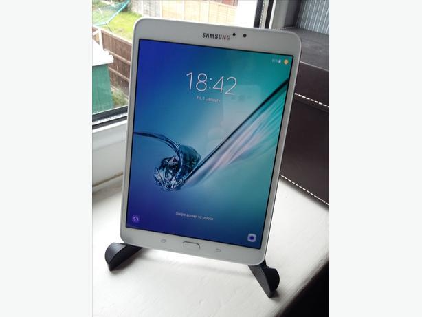 Galaxy tab s2 8.0 White