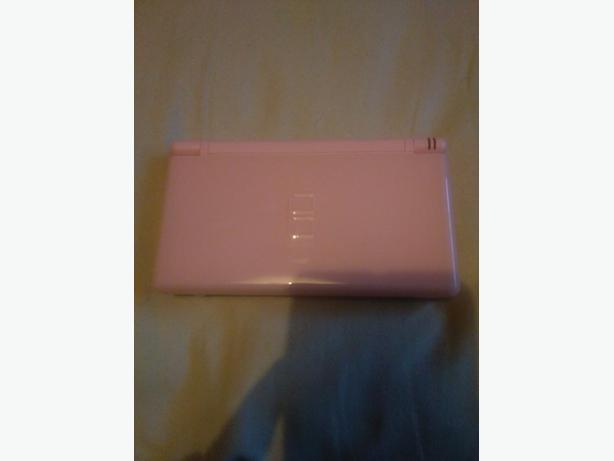PINK DS LITE WITH R4 CARD