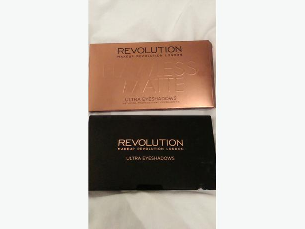 MakeUp Revolution Eyeshadow palette.