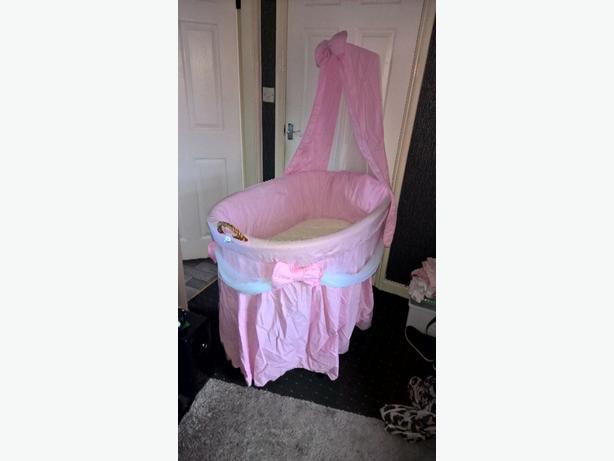 princess crib/moses basket