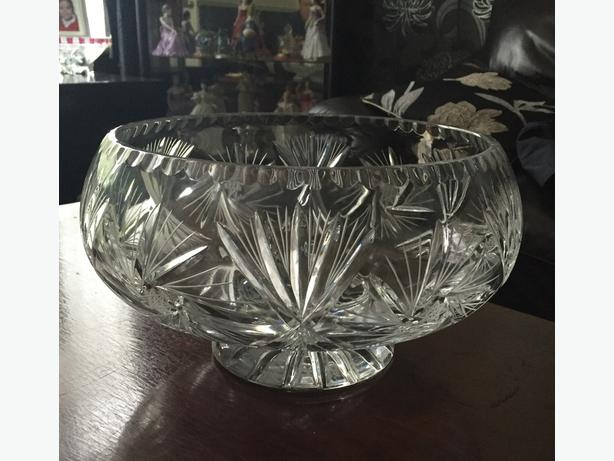 Large lead crystal fruit bowl very heavy