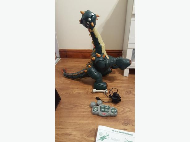 FISHER PRICE SPIKE THE ULTRA DINOSAUR