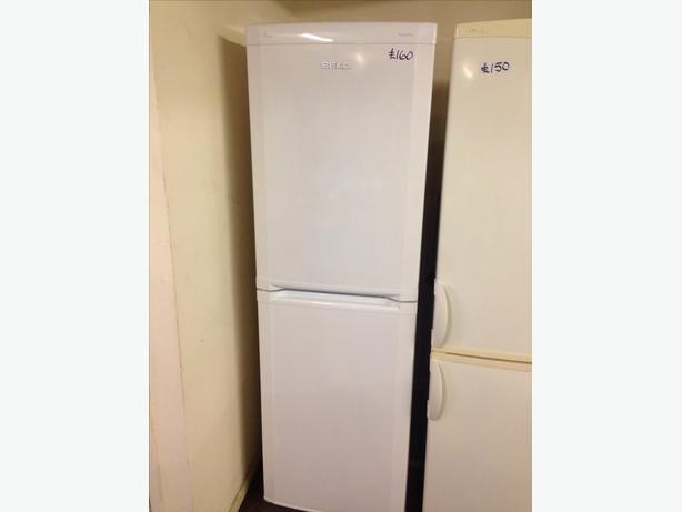 BEKO FRIDGE FREEZER FROST FREE0