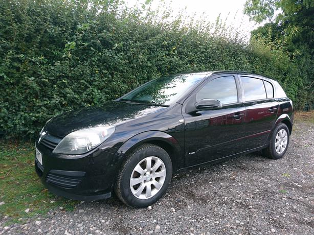 2005, 55 Reg Vauxhall Astra 1.6 twinport Club 5 door alloys aircon black
