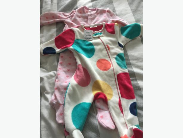 babies fleecy sleepsuits