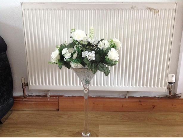 FOR HIRE large martini glasses,gel beads & flowers £10 each
