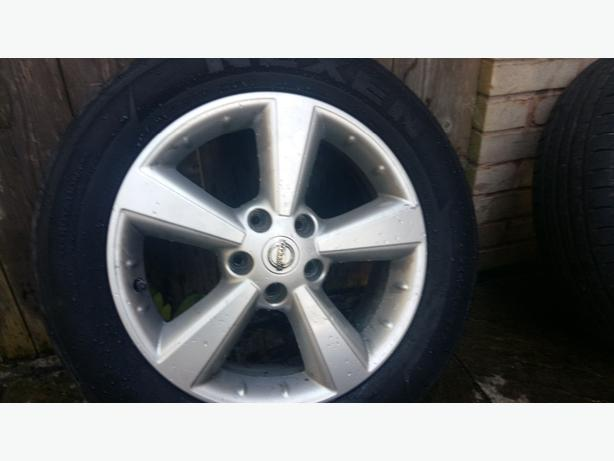 "alloys 17"" nissan qashqai with tyre"