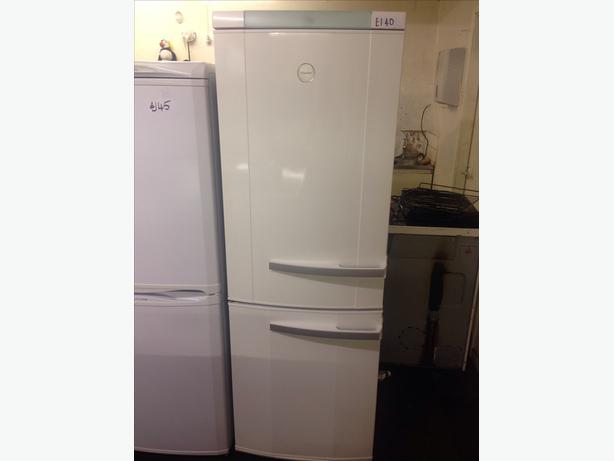 ELECTROLUX FRIDGE FREEZER004