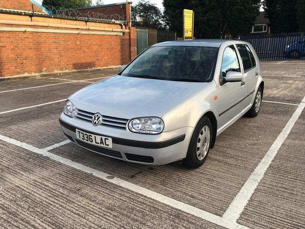 Volkswagan Golf 1.6 Automatic, silver, brilliant drive,