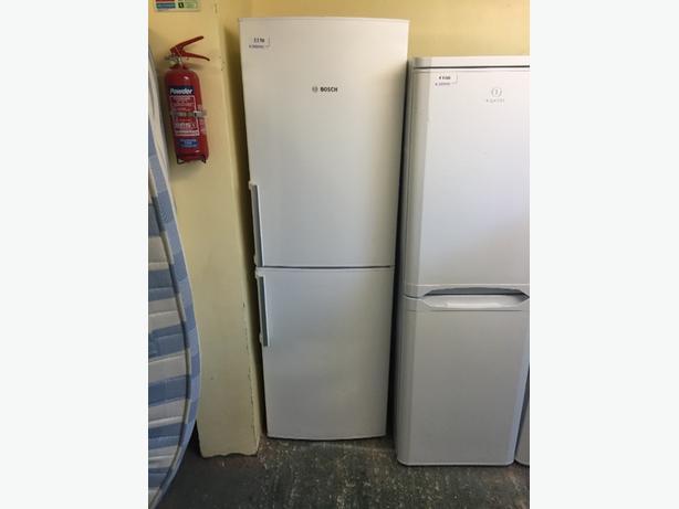 BOSCH fridgefreezer clean free delivery