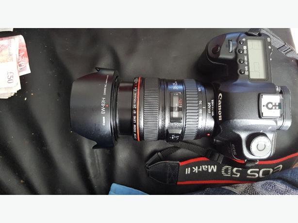 Canon 5d mark ii & 24-105 1.4 lens & extras