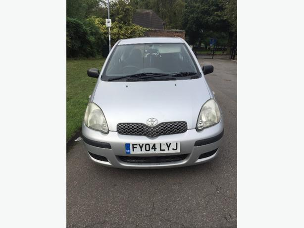 Toyota yaris t3 model 1.3 petrol