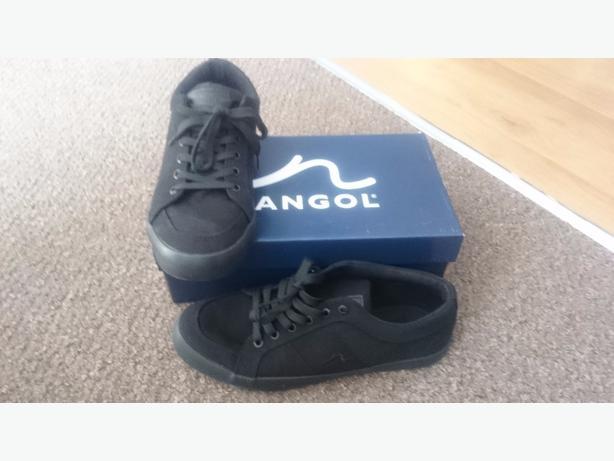 black boxed kangol size 9