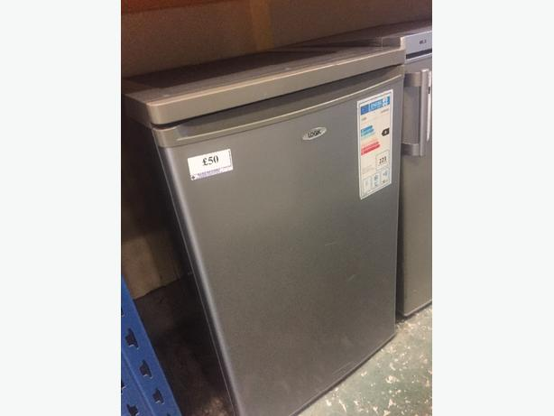 logik freezer silver a class at wv10 0bu