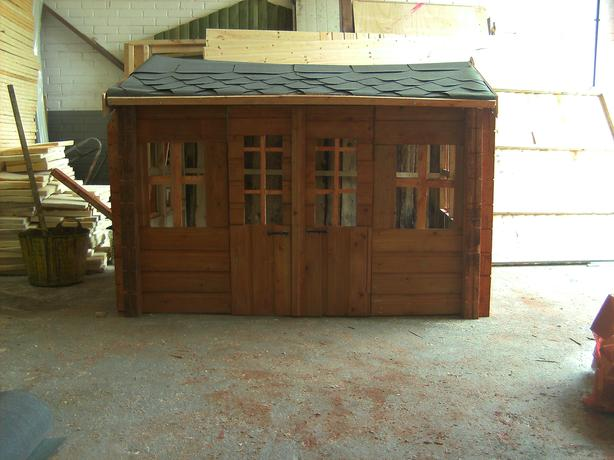 6x4 apent summerhouse used good condition