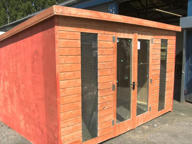 8x4 summerhouse used but good condition