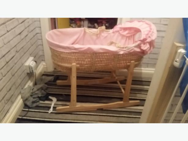 pink moses basket n stand