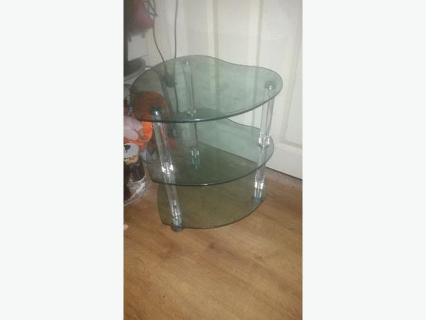 3 tier glass heart table