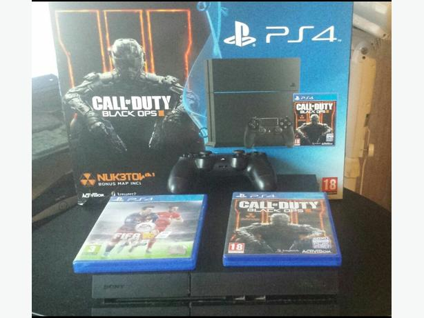 FOR TRADE: ps4 with 3 games for xbox one.