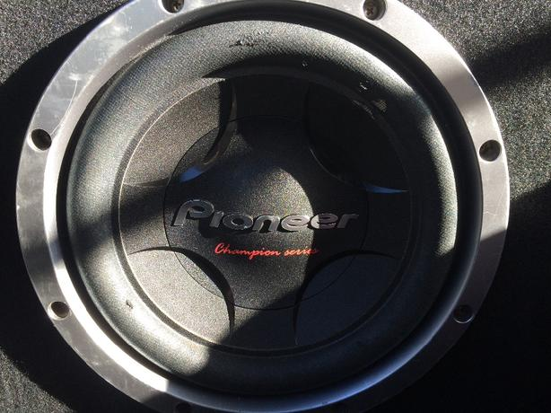 pioneer sub with 2000w amp