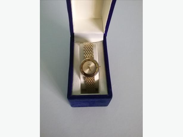 Beautiful ladies ro lex watch