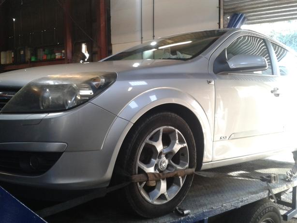 vauxhall astra mk5 silver 1.7 cdti breaking for spare parts