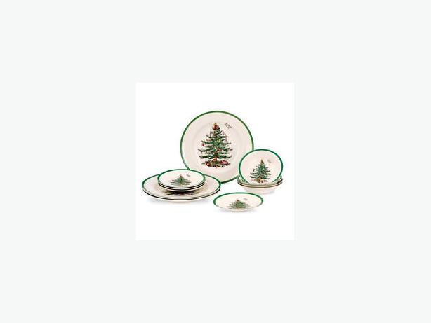 Spode Christmas Tree Dinner Service Set