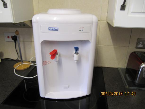 Bottled Water Cooler, Chilled & hot, Desktop Model