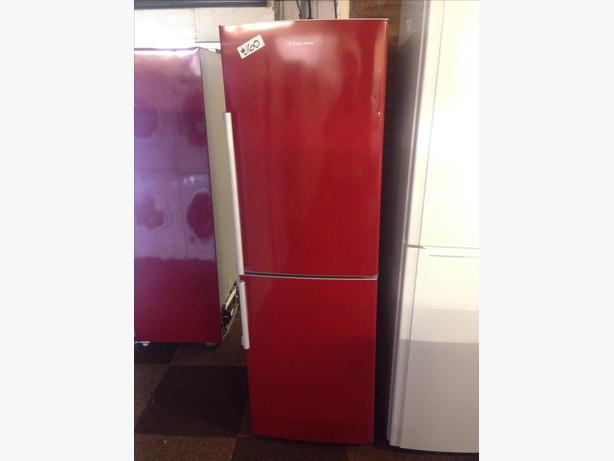 RED RUSSELL HOBBS FRIDGE FREEZER02