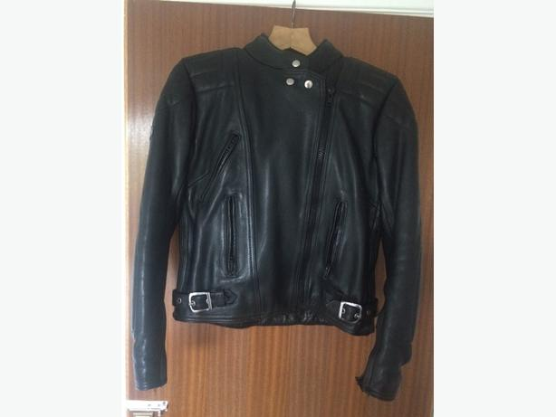 ladies size 12/14 leather jacket & trousers